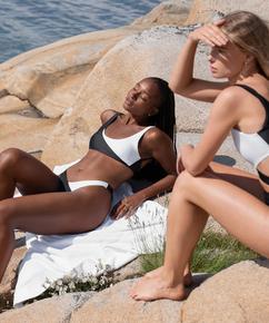 Bikini med rygglös topp 2Tone HKM x NA-KD, Vit