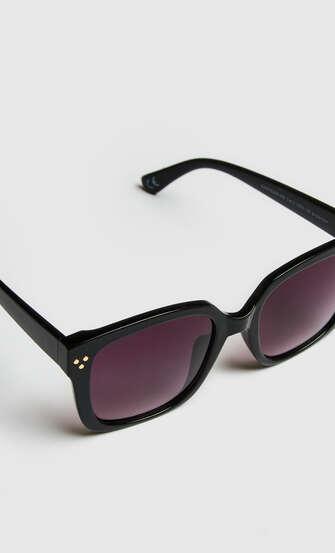 Solglasögon, Svart