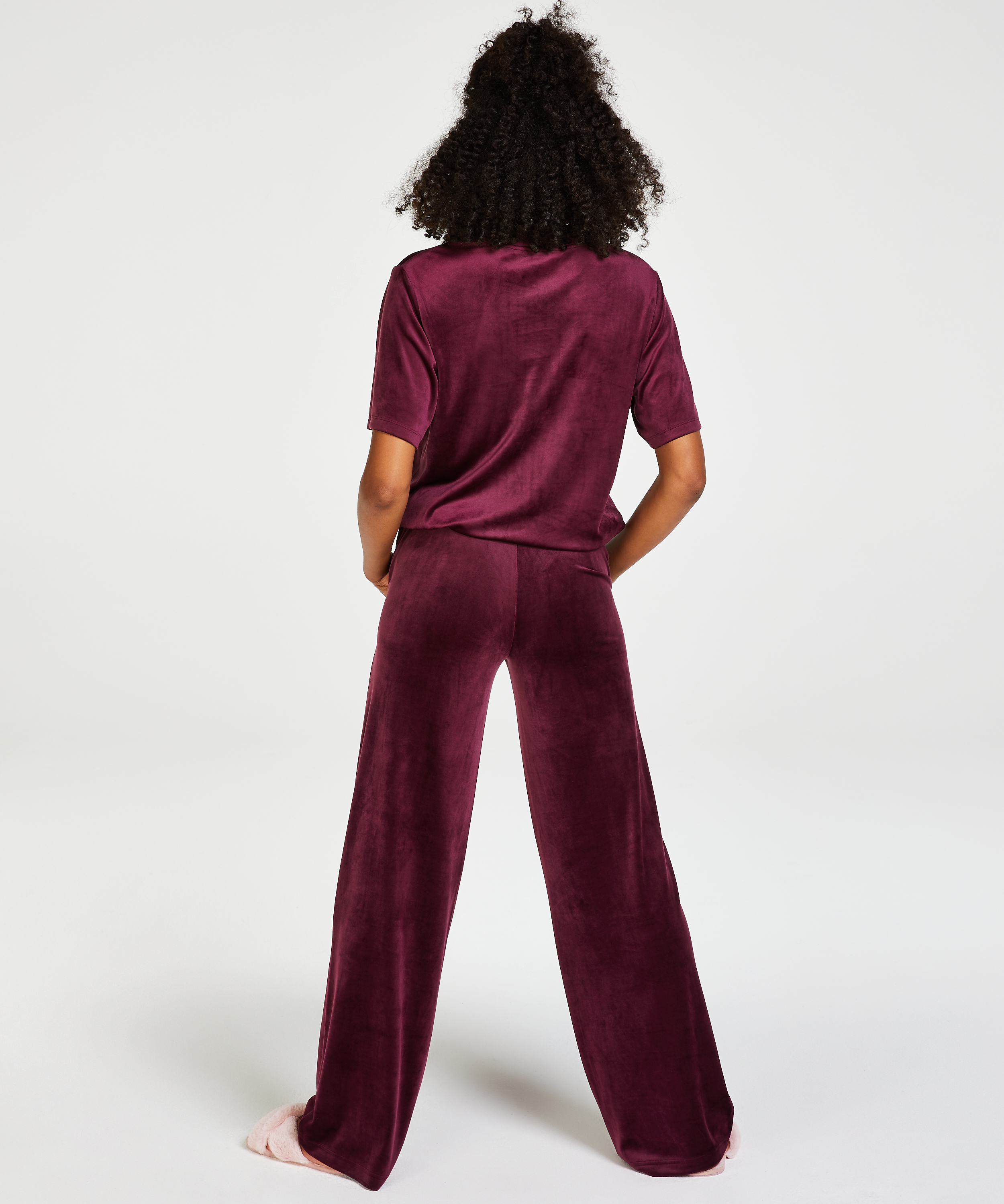 Tall Pyjamasbyxor i velour for 299.00SEK Byxor & Shorts